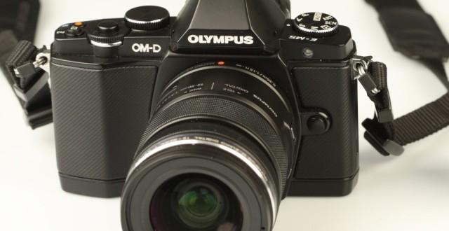 Olympus OM-D E-M5 – un mirrorless retro impresionant