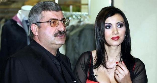 Prigoană îşi dă jumătate din avere ca să o recucerească pe Adriana Bahmuţeanu