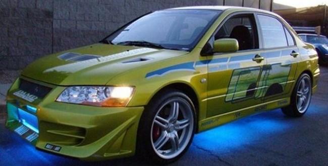 """Una din cele mai tari masini ale seriei """"Furios si iute"""" poate fi a unui fan dispus sa plateasca suma corecta! Vezi aici cat costa!"""