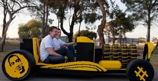 Automobil funcţional construit din Lego – creaţia unui român