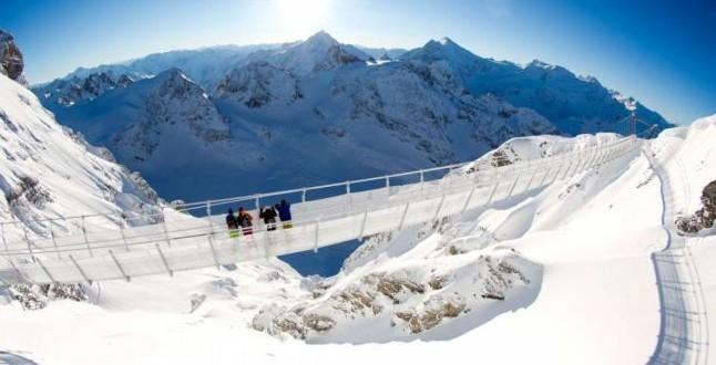Un nou record: Elveţienii reușit să construiască un pod suspendat la o altidudine de 3.000 de metri
