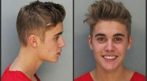 Justin Bieber a fost arestat pentru droguri, alcool si permis expirat