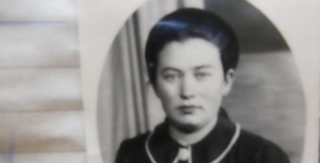 """FOTO DOCUMENT Prostituatele legale care făceau furori în bordelurile din Alba Iulia, în anii Marelui Război. Aveau """"livrezoane"""" la medic şi la Poliţie"""